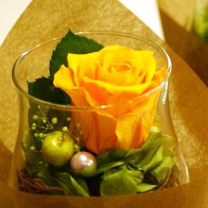 ウェルカムボードやリングピロー ガラス彫刻とお花の店サウスショア ギフトに最適なフラワーギフト